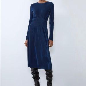 🏷Final Price/Chance. Zara Pleated Dress